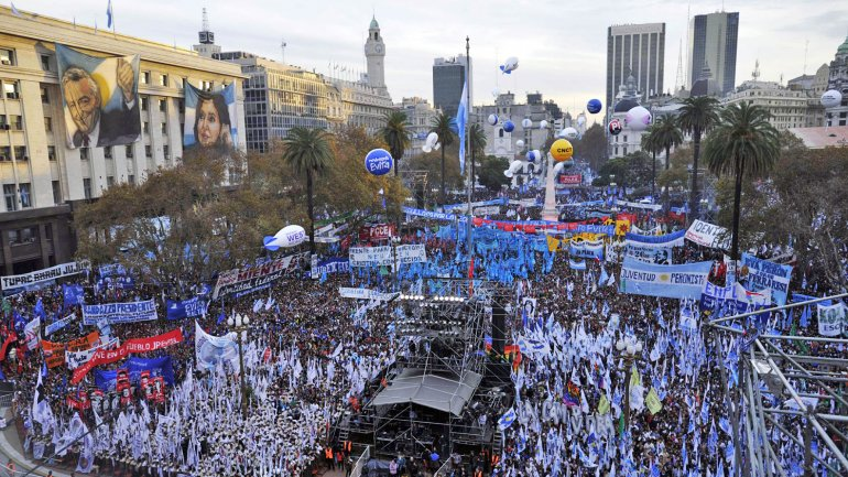 Macri pidió un acto del Día de la Bandera