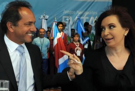 Télam Mar del Plata14/11/2010 En la plazoleta Almirante Brown, la Presidenta Cristina Kirchner junto al Gobernador Daniel Scioli, durante el cierre de los Juegos Evita 2010. Foto: Presidencia de la Nación/Télam/jcp