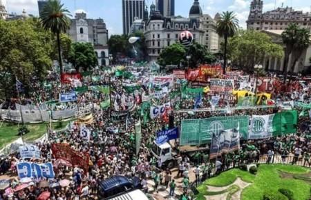 Marcha-Plaza-Gente