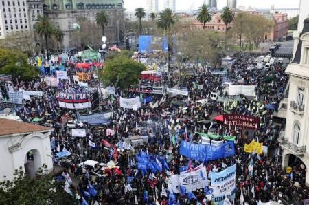 Marcha-Federal-Plaza-Fernando-Orden_CLAIMA20160902_0286_29
