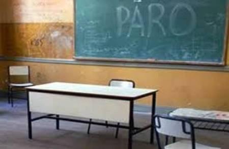 maestros-argentinos-en-huelga